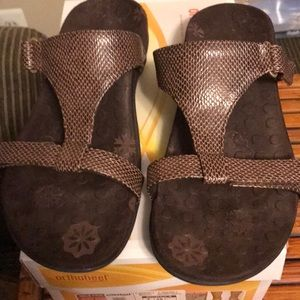 Orthaheel Molly Brown snake size 7 sandals
